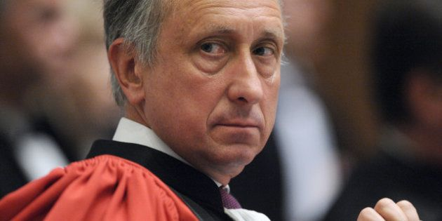 Mutation forcée pour le procureur de Nanterre Philippe Courroye, nommé avocat général à la cour d'appel...