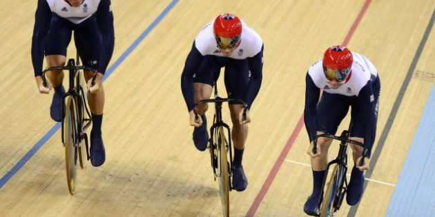 VIDÉO. Aux Jeux olympiques, un cycliste anglais avoue avoir triché en provoquant une