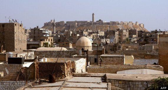 Syrie : la ville d'Alep entre pilonnage et combats avant la bataille