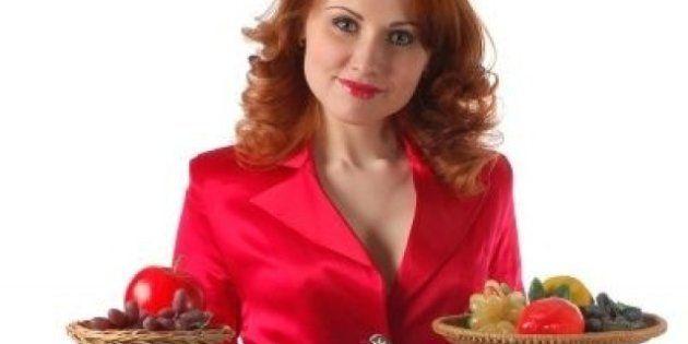 Les serveuses vêtues de rouge reçoivent plus de pourboires des