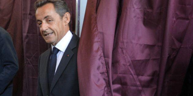 Nicolas Sarkozy revient sur le devant de la scène en discutant longuement par téléphone avec le chef...