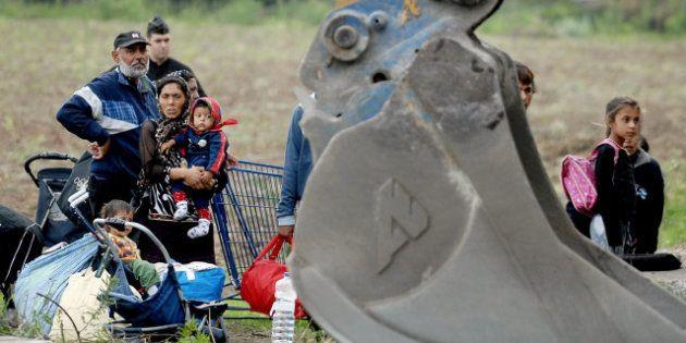 Le camp de Roms à Hellemmes près de Lille évacué au petit
