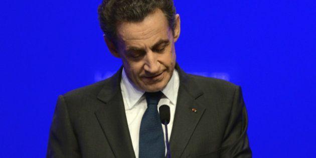 Nicolas Sarkozy, membre du Conseil constitutionnel a-t-il bafoué le devoir de