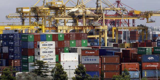 Le déficit commercial français recule en 2012 après le record de