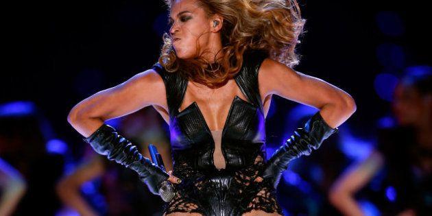 Photos de Beyoncé au Super Bowl: Ses agents veulent faire supprimer les clichés peu flatteurs... mauvaise