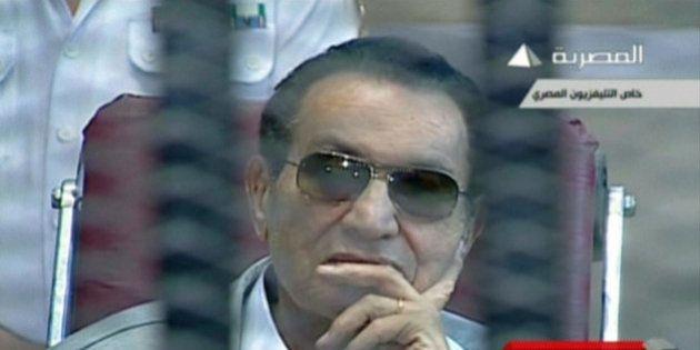 Procès de Moubarak: le procès ajourné au 25 août après une brève