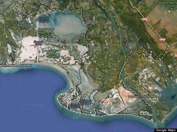 PHOTOS. Les lacs rouges de France, phénomènes salins de