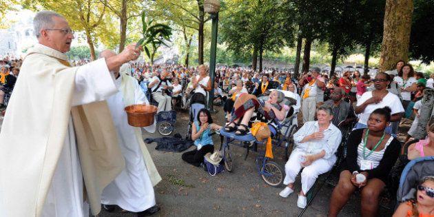 Mariage homosexuel: les catholiques français prient pour la famille lors de la fête de