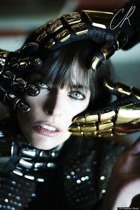 Milla Jovovich dans les bras de Daft Punk le temps d'un