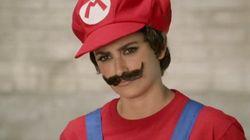Pénélope Cruz porte la moustache et se déguise en Super
