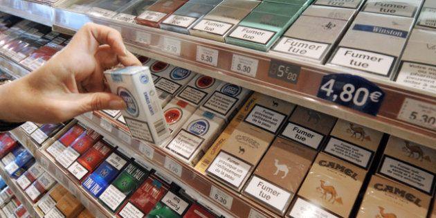 L'Australie interdit les logos des marques de cigarettes sur les paquets, la France y