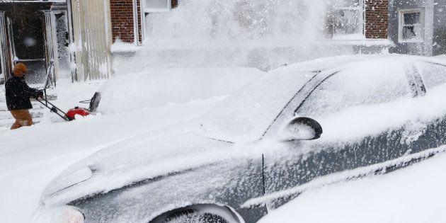 PHOTOS. Le nord-est des États-Unis sous la neige, le transport aérien très