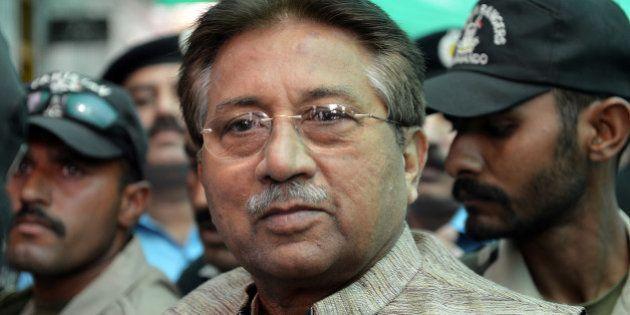 Pakistan : l'ex-président Pervez Musharraf a été officiellement inculpé du meurtre de Benazir