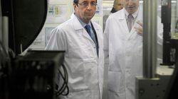 Hollande promet une loi sur la reprise des sites