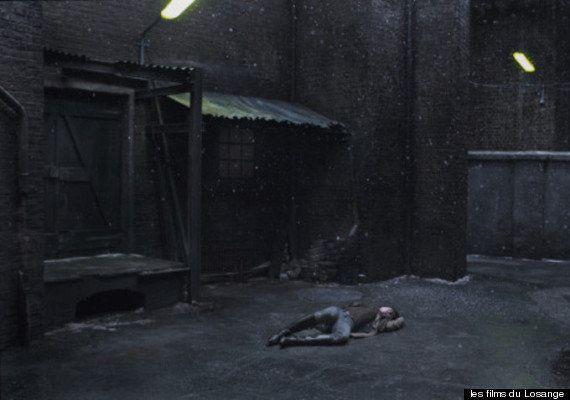 PHOTO. Charlotte Gainsbourg à demi nue dans