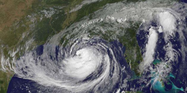 PHOTOS. L'ouragan Isaac a touché les côtes américaines au sud-est de la