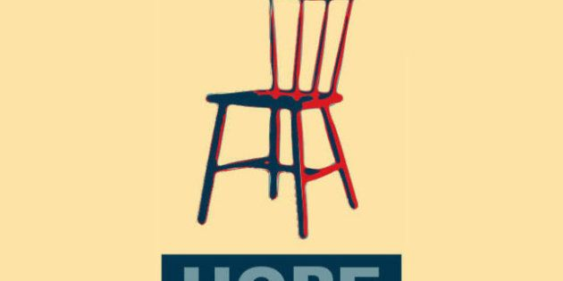PHOTOS. Quand Clint Eastwood parle à une chaise vide, Internet s'amuse et détourne son