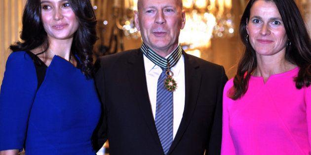 VIDEO. Taxe à 75%: Bruce Willis conseille François