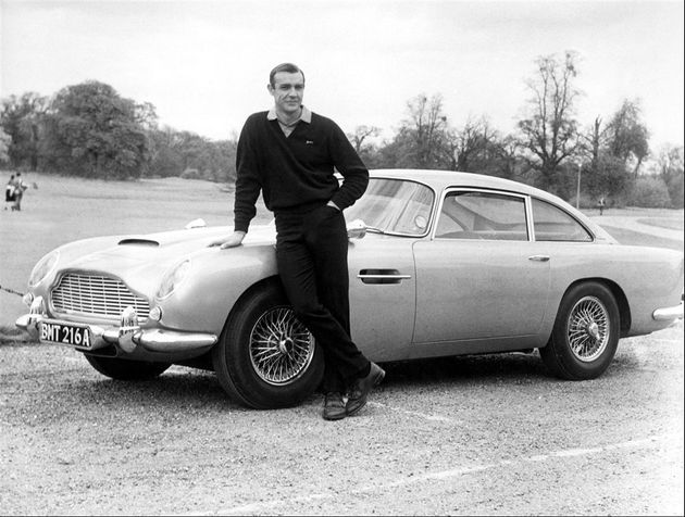 James Bond: Bollinger, Omega, Aston Martin... le roi du placement