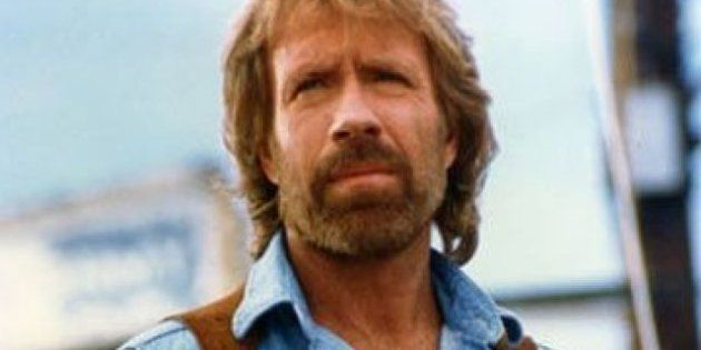 VIDÉO. Chuck Norris appelle à ne pas voter Barack