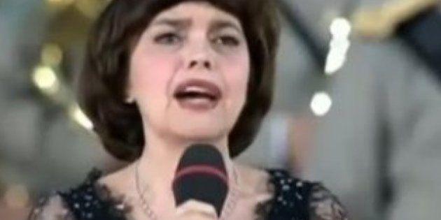 Mireille Mathieu critique les Pussy Riot à la télévision