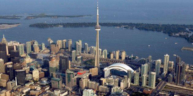 Canada: un torse retrouvé dans une valise flottant sur le lac