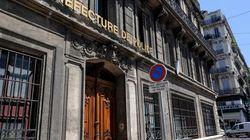 Mauvais signe : le plafond du bureau du préfet de police de Marseille s'est