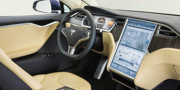 Tesla: PSA et Fiat largement distancés par l'Apple de
