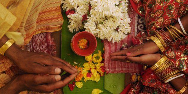 Inde : les couples ayant des rapports sexuels avant le mariage seront considérés comme étant