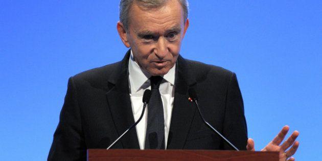 Bernard Arnault et la nationalité belge: la faute au gouvernement pour Fillon,