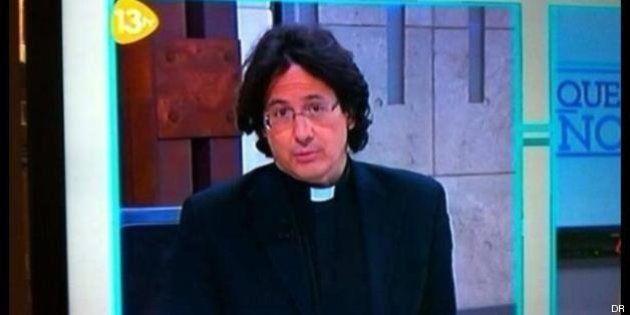 Le sosie de François Hollande est un prêtre