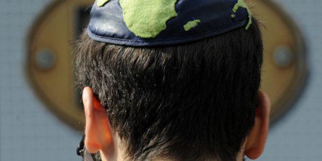 Israël: un vendeur de kippa attaqué en justice par les studios Marvel pour