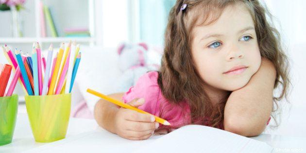 portrait of lovely girl drawing ...