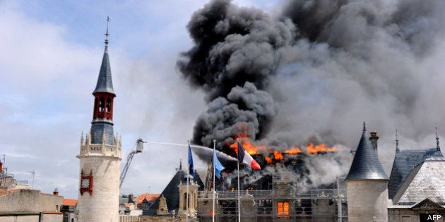 La Rochelle: la mairie touchée par un incendie