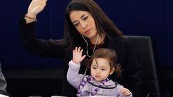 Vittoria, la petite fille que l'on voit grandir au Parlement