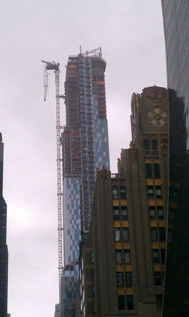 Ouragan Sandy : une grue s'effondre partiellement à New York, pas de