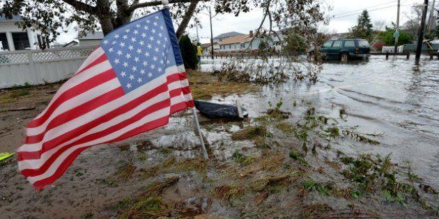 L'ouragan déclasse les élections mais remonte notre esprit