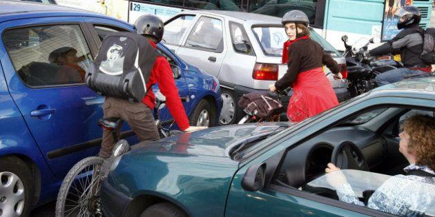 Pollution : Bertrand Delanoë veut interdire à Paris les véhicules les plus polluants fin