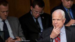 Quand John McCain joue au poker en ligne en pleine audition sur la Syrie au