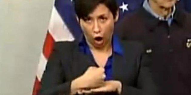 PHOTOS. L'interprète en langue des signes du maire de New York fait sensation lors du passage de