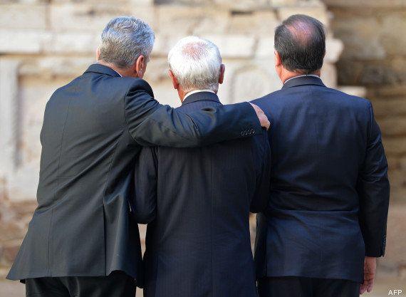 PHOTOS. Massacre d'Oradour: François Hollande et le président allemand Joachim Gauck main dans la