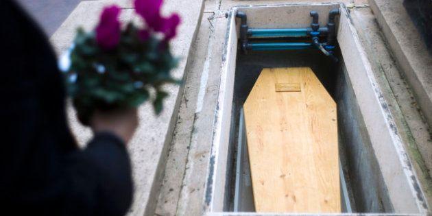 Mort des SDF autant en été qu'en hiver: Jean-Marc Ayrault promet la fin de la politique du
