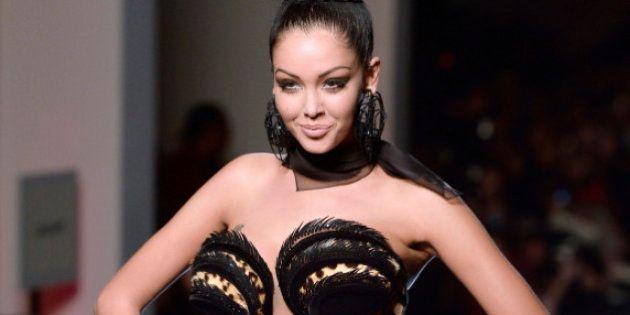 Nabilla en couverture de Vanity Fair: elle prend ses rêves pour des