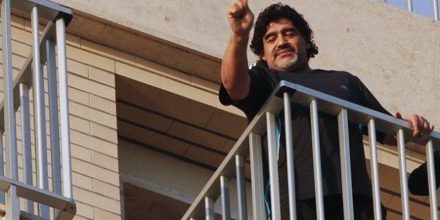 VIDÉOS. Maradona accueilli comme le messie à Naples, 22 ans après sa dernière