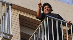 Maradona accueilli comme le messie en