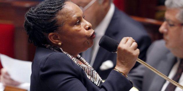 La réforme du Conseil supérieur de la Magistrature est suspendue, Taubira dénonce un