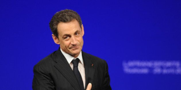Souscription UMP: Sarkozy