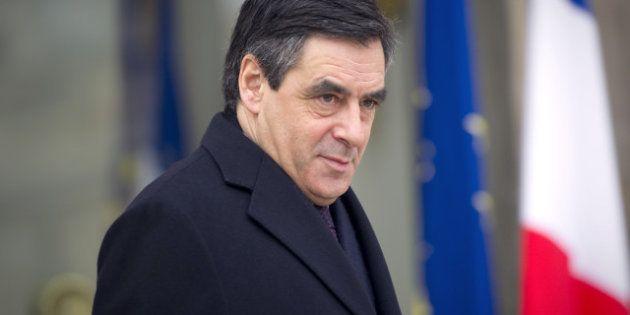 François Fillon, hospitalisé pour un calcul rénal, annule une réunion