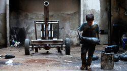 Syrie: le quotidien d'un enfant de 10 ans dans un atelier de confections
