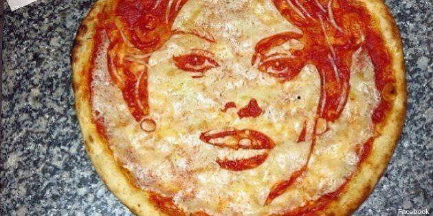 PHOTOS. Le pizzaiolo qui dessinait les stars avec de la sauce tomate et du fromage